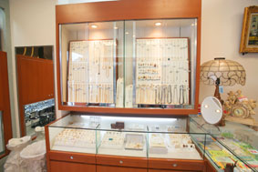 jewel-shelf